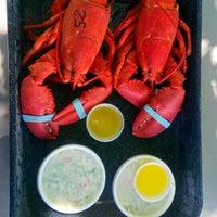 Photo taken at Trenton Bridge Lobster Pound by Nik Rabiatul A. on 7/22/2016