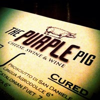 Photo prise au The Purple Pig par Victor N. le10/5/2012