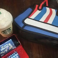 Photo taken at Starbucks by Anaid A. on 11/6/2015