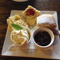 Photo taken at Katoomba St Cafe by Andrea G. on 4/11/2014