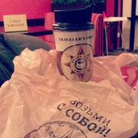 Снимок сделан в Traveler's Coffee пользователем Яна Бабоян 10/27/2012