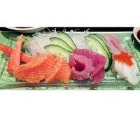 Photo taken at Midori Japanese Restaurant by Su-Szien L. on 3/16/2013