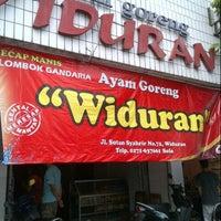 Photo taken at Ayam Goreng Widuran by esther s. on 10/27/2012