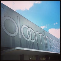 Photo taken at Bloomingdale's by Guto C. on 10/14/2013