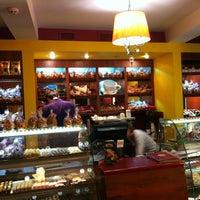 Photo taken at Mr. Desertus by Yuri G. on 10/6/2012