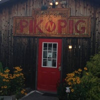 Photo taken at Pik n Pig by elizabeth m. on 5/23/2013