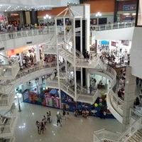 Foto tirada no(a) North Shopping Fortaleza por Alyson B. em 4/7/2013