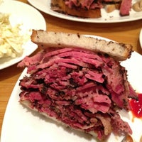 Photo taken at Carnegie Deli by Vinícius T. on 1/4/2013