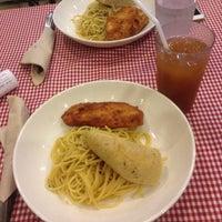 Photo taken at Pasta Plate by Jhennylo G. on 11/17/2015