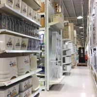 Photo taken at HomePro by Thoranin T. on 10/19/2017