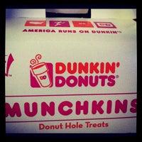 Foto diambil di Dunkin Donuts oleh Sasha S. pada 11/8/2012