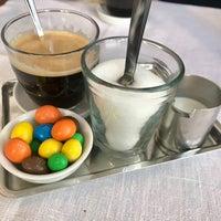 Photo prise au Café des Bains par Baltazar S. le10/27/2017