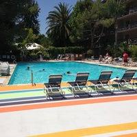 Photo taken at Sportsmen's Lodge by Dev D. on 6/14/2013