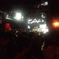 Foto tomada en Dance Floor por Jorge C. el 10/2/2016