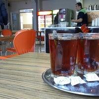 Photo taken at Mühendislik Fakültesi Kantin by Orhan C. on 12/7/2015