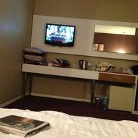 2/16/2013 tarihinde Emre Denizziyaretçi tarafından City Hotel'de çekilen fotoğraf