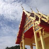 Photo taken at วัดทองพุ่มพวง by NeKeyz K. on 10/7/2017