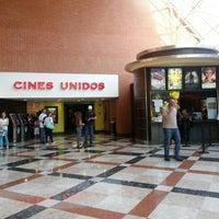 Das Foto wurde bei Cines Unidos von Jose Antonio D. am 3/29/2014 aufgenommen