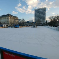 Photo taken at Ледена пързалка by Velizar G. on 2/5/2017