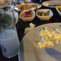 Photo taken at Köşem Balık Restaurant by F.GÜNEY on 11/8/2017