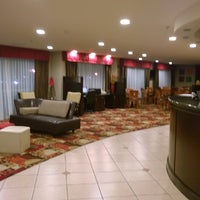 Photo taken at Comfort Suites by Wesley S. on 8/15/2014