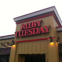 Photo taken at Ruby Tuesday by Wesley S. on 12/15/2012