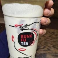 Das Foto wurde bei Kung Fu Tea von Skip L. am 5/4/2016 aufgenommen