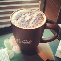 Photo taken at McDonald's (麦当劳) by Zetao on 10/29/2013