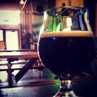 Das Foto wurde bei Rogue Eastside Pub & Pilot Brewery von Tristan P. am 6/30/2013 aufgenommen