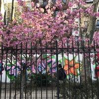 Foto scattata a First Street Garden/First Street Art Park da Morgan H. il 4/18/2017