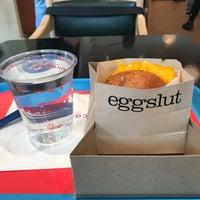 Das Foto wurde bei Eggslut von Morgan H. am 5/26/2017 aufgenommen