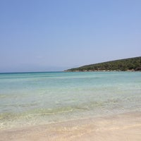 Photo taken at Quente Beach Club by Secil K. on 7/11/2013