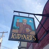 รูปภาพถ่ายที่ Rudyard's British Pub โดย  ℋumorous เมื่อ 5/18/2013