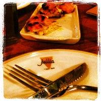 Foto tirada no(a) Jullia Pizza Bar por Beto S. em 5/24/2013