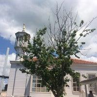 Das Foto wurde bei Üryanizade Camii von Elif S. am 5/28/2017 aufgenommen
