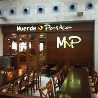 Photo taken at Muerde La Pasta by Romualdo A. on 12/6/2012