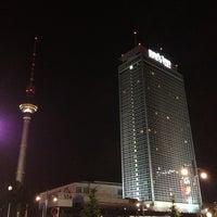 6/9/2013 tarihinde Micheleziyaretçi tarafından Park Inn by Radisson Berlin Alexanderplatz'de çekilen fotoğraf