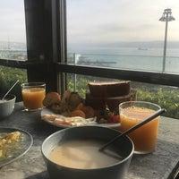 Das Foto wurde bei Anjer Hotel Bosphorus von ❤Farnaz A. am 2/15/2018 aufgenommen