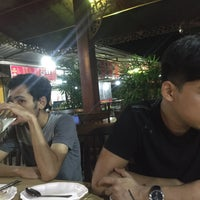 Photo taken at Mid-Night Food Centre (MFC Tomyam) by Mraa Z. on 12/20/2015