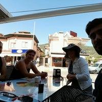 Photo taken at Gülce Sarıyer Börek Evi by Şahika I. on 9/19/2016