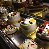 11/27/2012 tarihinde Nikki L.ziyaretçi tarafından Mozart Bakery & Cafe'de çekilen fotoğraf