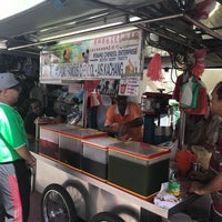 Photo taken at Penang Road Famous Cendol & Ice Kacang (Loh) by Pretty T. on 11/13/2017