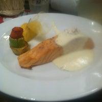 รูปภาพถ่ายที่ City Club Restaurant โดย Irina M. เมื่อ 1/19/2013