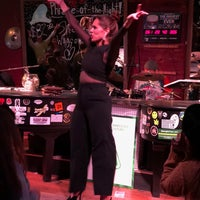 Photo taken at Savannah Smiles Dueling Pianos by Heather C. on 1/14/2018