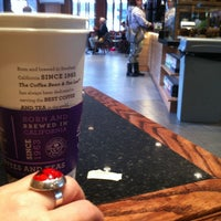 Photo taken at The Coffee Bean & Tea Leaf by Astrid M. on 5/28/2013