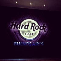 Foto scattata a Hard Rock Cafe da Pame G. il 5/20/2013