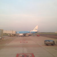 Photo taken at Gate D52 by Spif F. on 4/22/2014