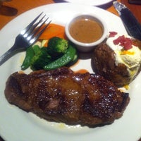 Photo taken at Outback Steakhouse by Adolf P. on 6/17/2013