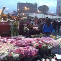Photo taken at Plaza de Mercado de Paloquemao by Ricardo R. on 5/7/2013