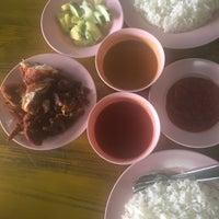 Foto Diambil Di Nasi Ayam Goreng Dapur Kayu Oleh Mia A Pada 2 23